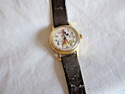 vintage Mickey Mouse watch, (VD)
