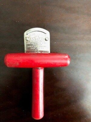 Vintage Edlund Junior No. 5 Can Openerwith Red Wooden Handles 1929