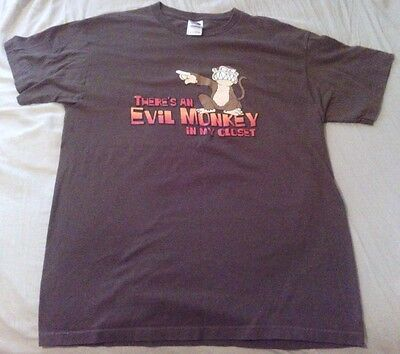 """FAMILY GUY """"There's An Evil Monkey In My Closet"""" Brown T-Shirt Large L"""