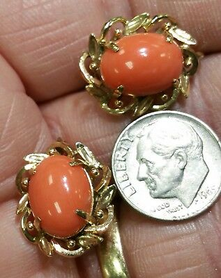 Vintage Estate 18k Yellow Gold & Natural Red Coral Screw Back Earrings 7.7 grams