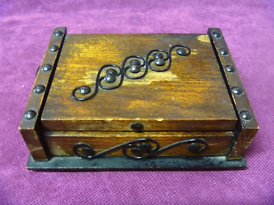 Vintage Wood box Wooden Handmade old antique for jewelry 17,5 x 5,5 x 13,5 cm