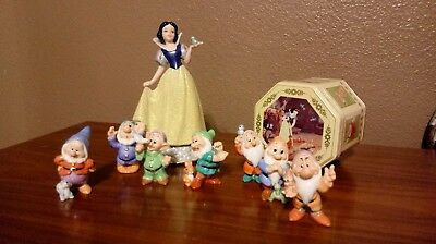Disney Snow White And The Seven Dwarfs Glitter Ceramic Figurine Set with Tin