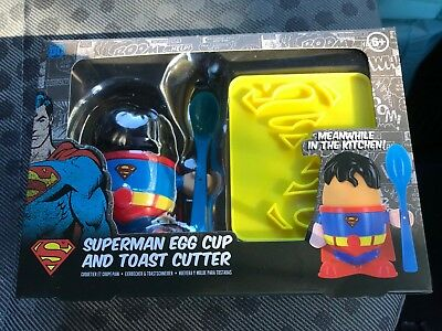 DC COMICS SUPERMAN EGG CUP AND TOAST CUTTER Brand New