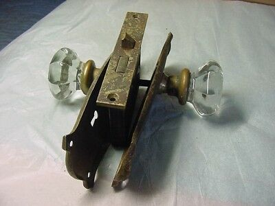 2 Antique 8 Point Glass Door Knobs With Lock No Key & 2 Brass Back Plates