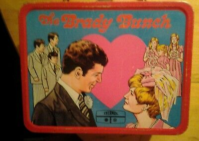 1970 brady bunch lunch Box in really good condition , great collection piece.