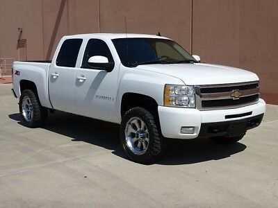 2009 Chevrolet Silverado 1500 LTZ 09 CHEVROLET SILVERADO 1500 LTZ Z71 4X4! HEATED LEATHER SEATS! OFF ROAD TIRES!
