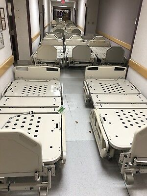 LOT 22) Hill-Rom Hill Rom Century P1400 Electric Hospital Beds Bed