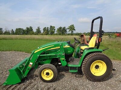 2006 John Deere 3320 Tractor, JD H160 Front Loader, 4WD, Hydro, ONLY 90 HOURS!!!