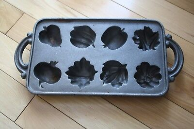 "Vtg Cast Iron Garden Harvest Muffin Mold Pan 15""L x 7.5""W x 1.5""D Unmarked"