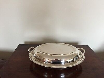 Lovely Silver Plated Oval Shaped Two Handled Lidded Entree Dish  ( Sped 76F)