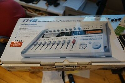 ZOOM R16 Recorder: Interface : Controller