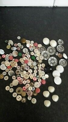 Mixed lot Of Vintage antique  glass Mother of Pearl etc Button s