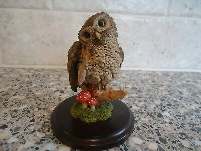 Country Artists Scratching/preening Owl Figurine ,10.5 Cms High