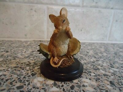 Country Artists Mouse Figurine With Chestnut,8 Cms High,1995