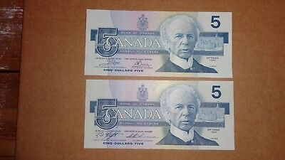 Mixed Lot Of Two 1986 Canadian Five Dollar Bank Of Canada Notes $5 Bill Currency