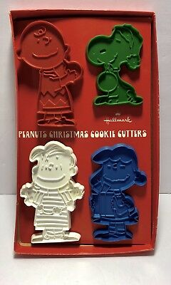 Vintage 1970s Licensed Hallmark Peanuts Christmas Cookie Cutters MINT