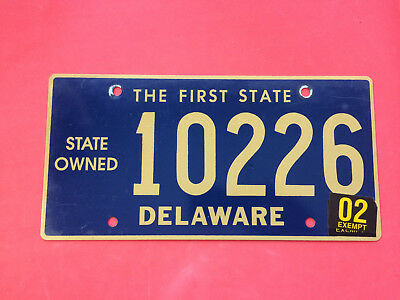 Delaware State Owned  License Plate 10226  02 Exempt Sticker