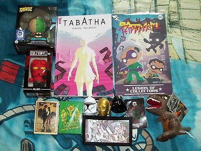 Z-BOX / LOOT CRATE / GEEK BOX - Figures, Comics, Keyrings, Wallet, Magnet, Badge