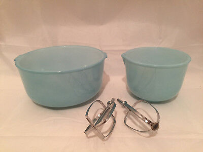 Vintage Turquoise Blue Mixing Bowl Set with Beaters Sunbeam Glasbake