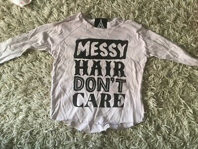 Quinn And Fox Messy Hair Dont Care Size 4/5 Top