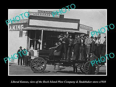 OLD LARGE HISTORIC PHOTO OF LIBERAL KANSAS, THE STUDEBAKER WAGON STORE c1910
