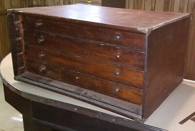 Vintage,Large Wooden Machinists Tool Chest, 4 pull out drawers. Good condition.