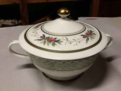 Fitz and Floyd Winter Holiday covered vegetable bowl