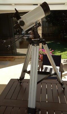 VIXEN VMC95L-AZ  Astronomical Telescope, Dot Finder, and Tripod