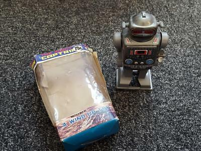 YONE THE ROBOT CAPTAIN Made Japan 1960's VINTAGE RETRO TIN BOXED TOY WIND UP