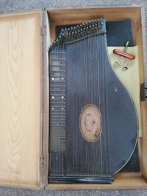 Zither mit Holzkoffer