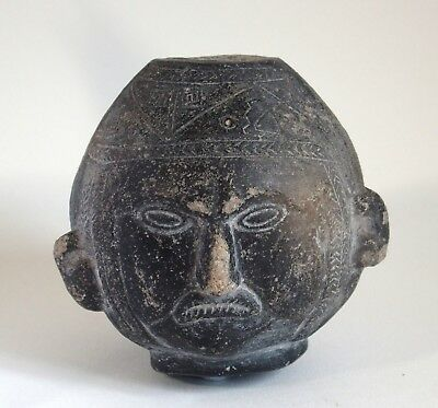 Fine antique Peru Chimu black ware 14th century bottle vase