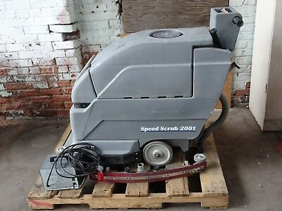 Tennant Nobles Speed Scrub 2001 Floor scrubber, Battery powered 24v cleaner
