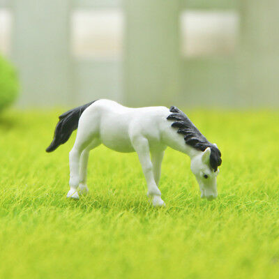 2 Pcs/Set Mini Horse Figurines Micro Landscape Moss Miniature Fairy Garden Decor