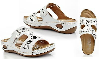 24d5cf7eab74 Lady Godiva Open Toe Comfort Platform Wedge Slip-On Sandals - Size 5.5 US-