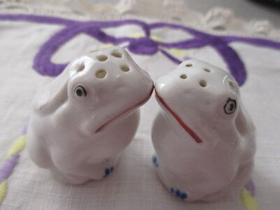 Collectable Vintage Retro Pair of Frog Salt & Pepper Shakers. Made in Japan.WOW!
