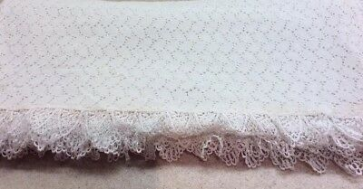 Vintage Old White Scalloped 100% Lace Large Table Cloth Bed Coverlet 88 X 72