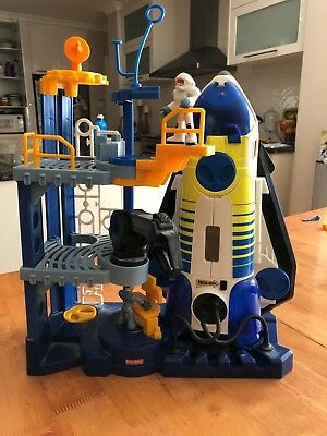 FISHER PRICE Imaginext SPACE STATION, with Space Shuttle