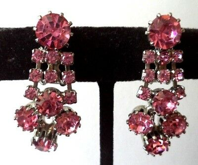 "Vintage Estate Unsigned Weiss Pink Rhinestone Flower 1 3/8"" Clip Earrings G6915X"