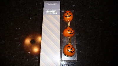 Avon gift collection - set of 3 Pumpkin Candles - new in box Jack-o-latern trio