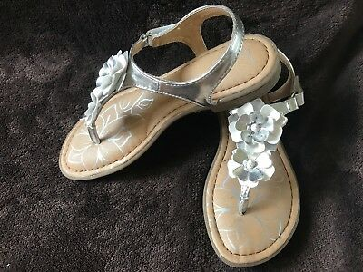 BOC (Born Concept) Girls Silver & White Thong Sandals - Size 3