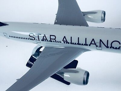 STAR ALLIANCE 787 LARGE PLANE MODEL NEW LOGO SOLD RESIN 2kg apx 43cm 1:160