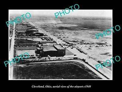 OLD LARGE HISTORIC PHOTO OF CLEVELAND OHIO, AERIAL VIEW OF THE AIRPORT c1940