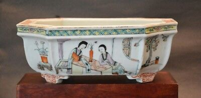 An Early 20thC Antique Chinese Famille Rose Porcelain Octagonal Planter w/mark
