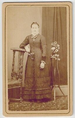 Carte de Visite - Portrait of a Woman, Tanunda - Stephen Nixon (Photographer)