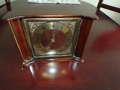 art Old, antique, Wooden mantle clock, made in great britain, 30 hour