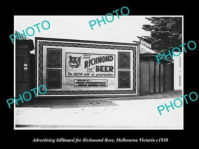OLD LARGE HISTORIC PHOTO OF RICHMOND BEER ADVERTISING BILLBOARD c1930, MELBOURNE
