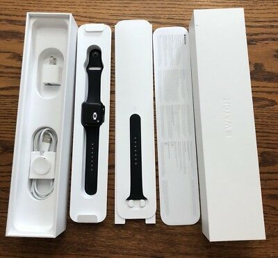 Apple Watch Series 2 38mm Black Sport Band everything Original Included Like new