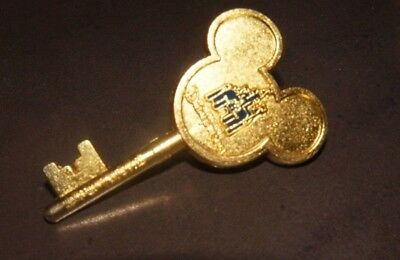 2016 Shang Hai Disney Resort Cast Exclusive Grand Opening Gold Key Pin