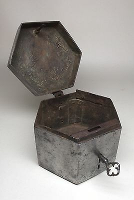 Extremely Mega Rare Mid 16th Century French Hexagonal Messengers Casket. 17th