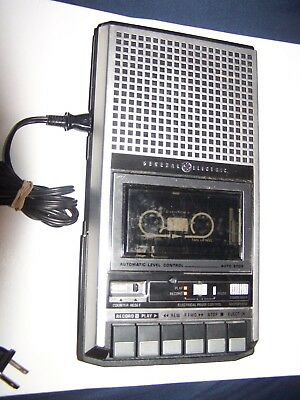 GE General Electric 3-5152A Vtg Portable Cassette Tape Recorder Player **TESTED*